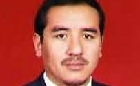 """إجبار معتقلين سياسيين على الركوع  فرحا بـ""""تخفيف Zhang Chunxian"""" تركستان الشرقية"""
