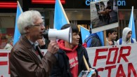 Det bortglömda landet, så kallar uiguren Nijat Turghun sitt hemland Östturkistan. På lördagen demonstrerade han och ett 20-tal andra personer mot Kinas kränkning av uigurernas rättigheter. Bakom demonstrationen stod Amnesty […]