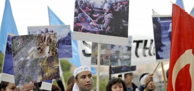 Visa bildtext Uigurer protesterar mot Kinas övergrepp i Xinjuang-provinsen under en demonstration i Stockholm 2009. foto: Bertil Ericson / TT Fria Tidningen Miljöpartiet vill se oberoende utredning i Östturkistan(Xinjiang)-provinsen  […]