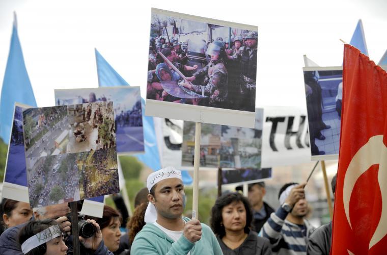 Miljöpartiet vill se oberoende utredning i Östturkistan( Xinjiang)-provinsen